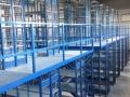 Fachbodenregal-Anlage-mit-Gitterrostböden